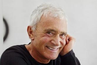 Làm giàu từ nghề cắt tóc – Vidal SassoonVidal Sassoon